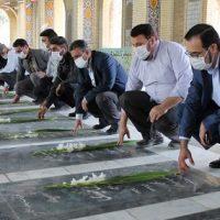 غبار روبی گلزار شهدای شهرستان قدس به مناسبت هفته دفاع مقدس